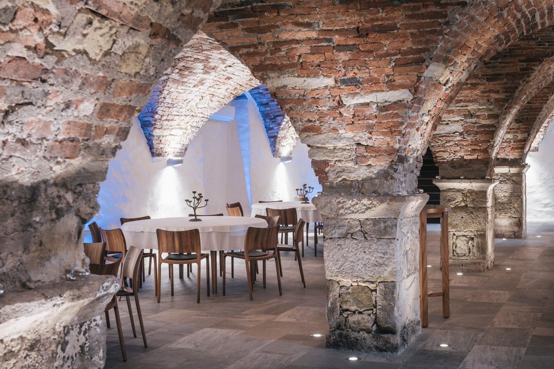 Dveri Pax Restaurant Gewölbe